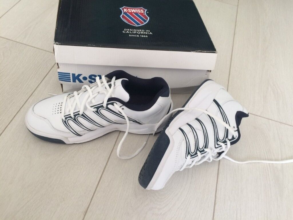 K Swiss Boys Tennis Trainers size 5  49d29d27b