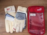 Puma Liga RC Goalkeeper's Gloves size 11 Brand New in Nylon vented pouch RRP £24.99