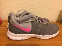 Nike Ladies Trainers (UK Size 7)