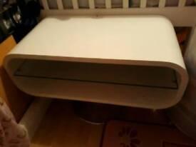 White gliss tv stand