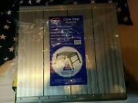 Clow GRB fibre glass square podium step up bench
