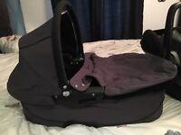 Maxi Cosi pebble carry cot in black
