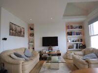 Beautifully presented split level 2 bedroom flat in Hammersmith.