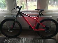 Commencal Downhill bike almost new.