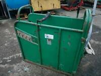 Iae calf dehorning vaccination crate crush has rear holding handle tractor