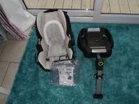 Maxi Cosi Car Seat (from new born)