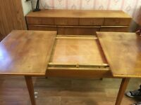 Vintage / Retro dining room / extendable kitchen table