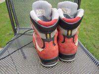 Walking Boots - Ladies - Kayland