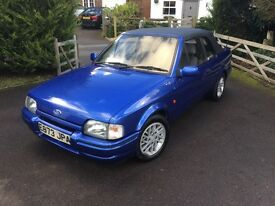 GORGEOUS LOOKING FORD ESCORT XR3i- CONVERTIBLE- FANTASTIC PAINTWORK- NEW MOT!