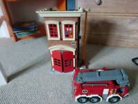 Imaginext Fisher price fore station and engine