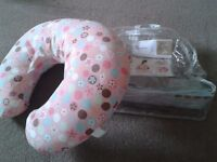 Feeding pillow. Chicco Boppy Pillow with Cotton Slipcover. Nearly new