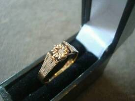 9CT GOLD DIAMOND SOLITAIRE RING £55