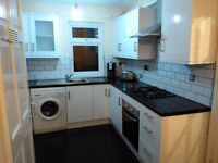 ** EXCELLENT DOUBLE ROOMS IN EAST LONDON ZONE 1/2 AVAILABLE NOW **