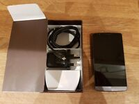 LG G3 16gb Unlocked. Boxed. Spare battery and dock stand