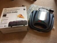 Sandwich maker - almost brand new - very good condition - immediately available
