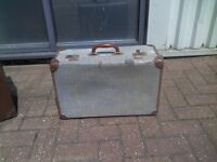 Retro Suitcase Travelcase Luggage Carrier - £15each or 2 £25