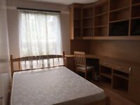 LARGE 4 DOUBLE BEDROOM APARTMENT WITH GARDEN