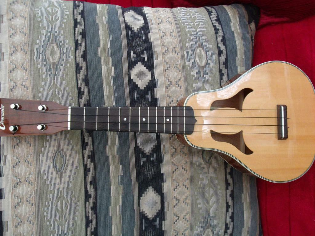 CLEARWATER UKULELE with fitted pickup