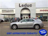 2014 CHRYSLER 300 AWD - FULL LOAD PANORAMIC ROOF and APPROVED!