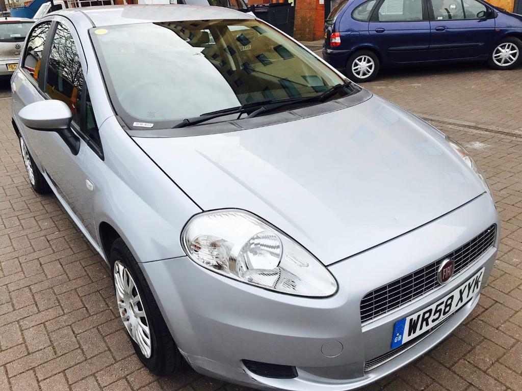 fiat grand punto 2008 1 4 petrol 54k mileage just serviced 1 owner manual mot 3 m wranty. Black Bedroom Furniture Sets. Home Design Ideas