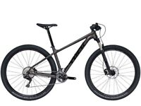 """BARGIN!!! 17.5"""" TREK X-CALIBRE 9 2018 plus extras RRP£1320 will accept £800 or £750 without pedals"""