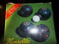 Henselite Lawn Bowls Set