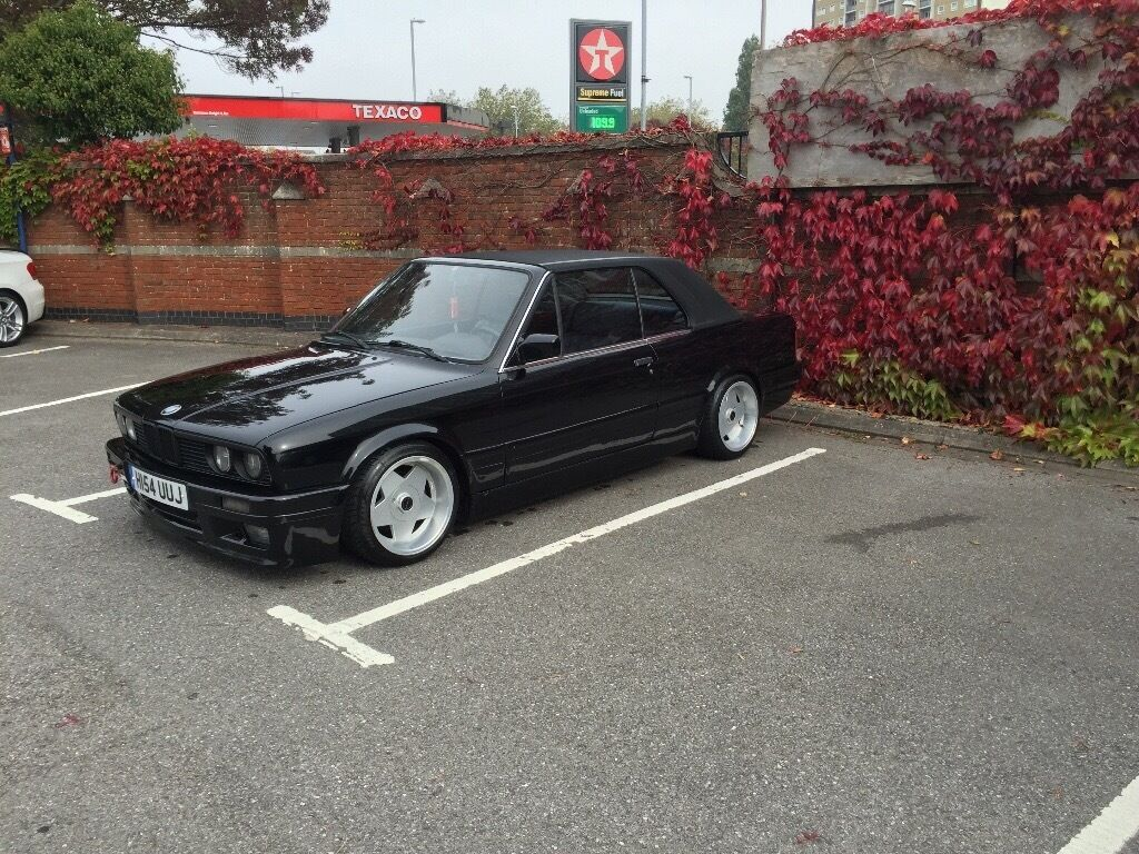 bmw e30 325i convertible with hardtop lhd in. Black Bedroom Furniture Sets. Home Design Ideas