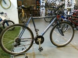 ADULTS/OLDER CHILDS FALCON STORM HYBRID BIKE 26 INCH WHEELS 18 SPEED GREY VERY GOOD CONDITION