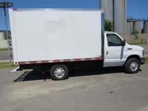 2008 Ford E-350 roues  simples Base