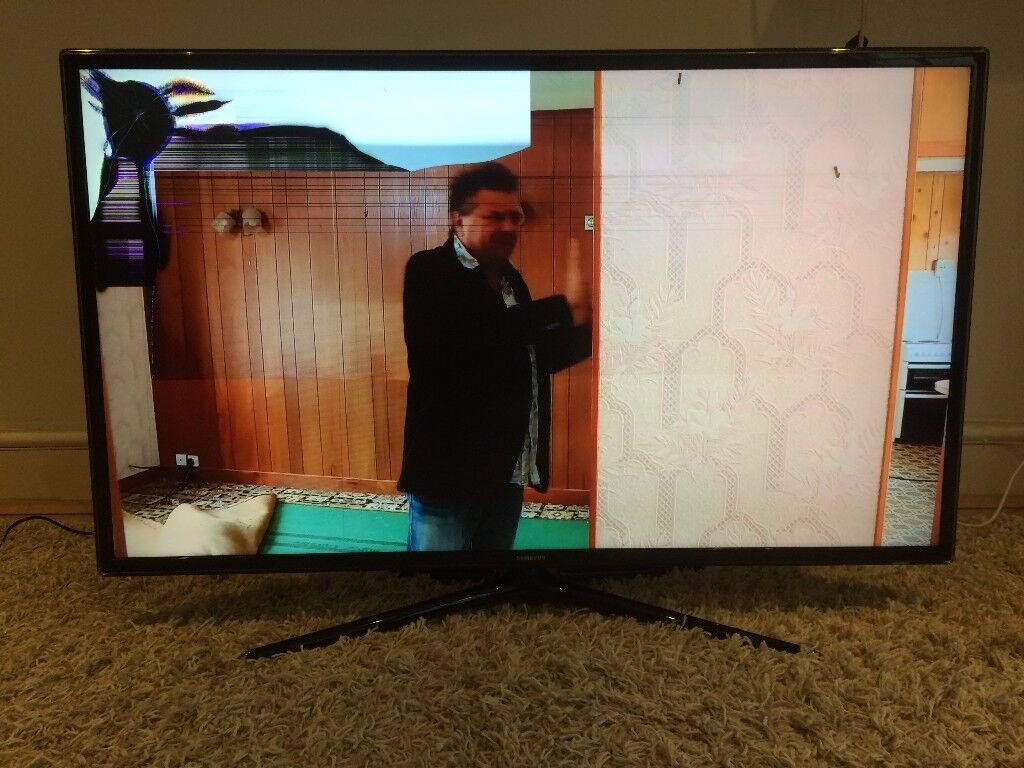 Full HD 1080p 3D LED TV Freeview HD - Cracked screen