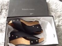As new Roberto Vianni Cork and Elastic Wedges