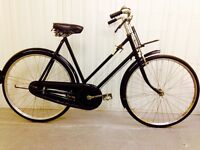 Pure British heritage..classic ladies bike..hand operated Breaks