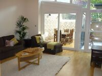 Fabulous 3 bedroom / 3 bathroom ( 6 apartment ) furnished flat Dowanhill West End