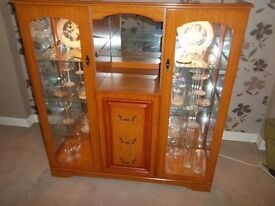 GLASS DISPLAY CABINET WITH LIGHTS