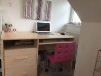 Desk - v.g.c.