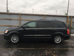 2015 Chrysler Town & Country Touring/STOW'N GO/HEATED LEATHER
