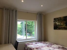 Luxury double room to share contact now