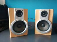 Dynamic sound systems 2 Pieces of Hi-Fi Speakers but without adaptor only for £25