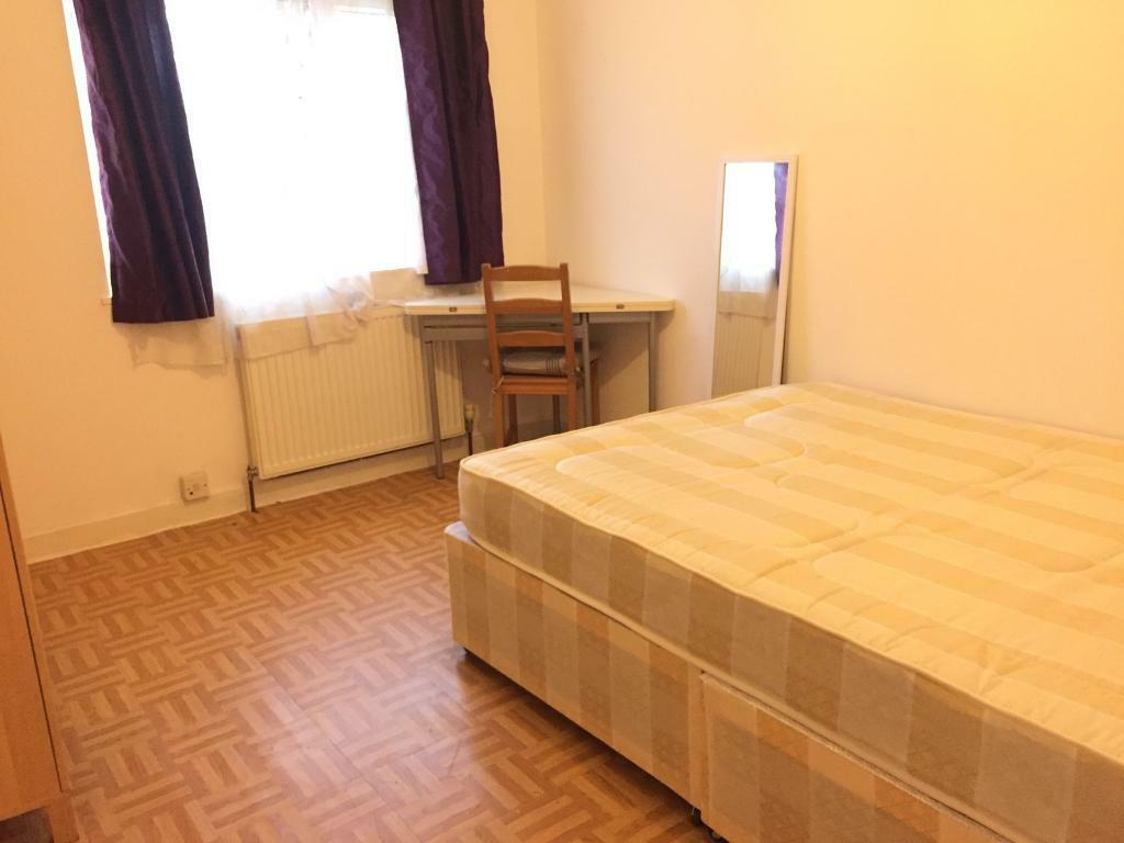 Large double room in kingston /surbiton