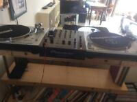 Pair of Dj turntables Audio Technica AT LP120 and Reloop RP5000