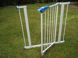 Pressure fit, doorway, staircase safty gate.
