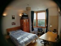 Large, sunny, double room , quiet street, Totterdown. £495 pcm (Utility bills included)