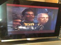 """Bang & Olufsen BeoVision 7 32"""" 720p HD LCD Television & Soundbar"""