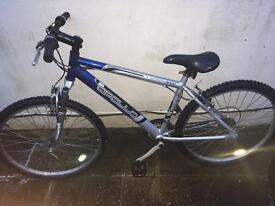 """Apollo men's 18"""" Mountain bike - Hardly used"""