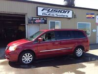 2013 Chrysler Town & Country DVD-NAV-MOONROOF-BACK UP CAMERA Windsor Region Ontario Preview
