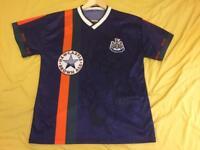 Retro shirt Newcastle Shearer size M