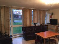 £65 pw...£65 pw...ALL BILLS INC..BED IN A TRIPLE ROOM FOR MALE..£65 PW