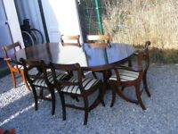 CAN DELIVER - EXTENDING DINING TABLE + 6 CHAIRS IN VERY GOOD CONDITION
