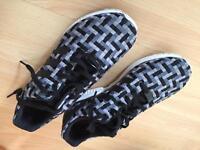 Adidas men's size 8.5 ZX flux trainers