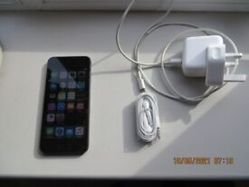 IPOD TOUCH 5TH GENERATION 64 GB SPACE GREY WITH CHARGER AND HEADPHONES